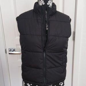 Old Navy sleeveless Puffer Jacket size M